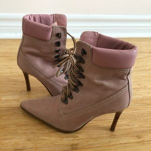Vintage Victorian Style Ankle Boots in Pink Suede